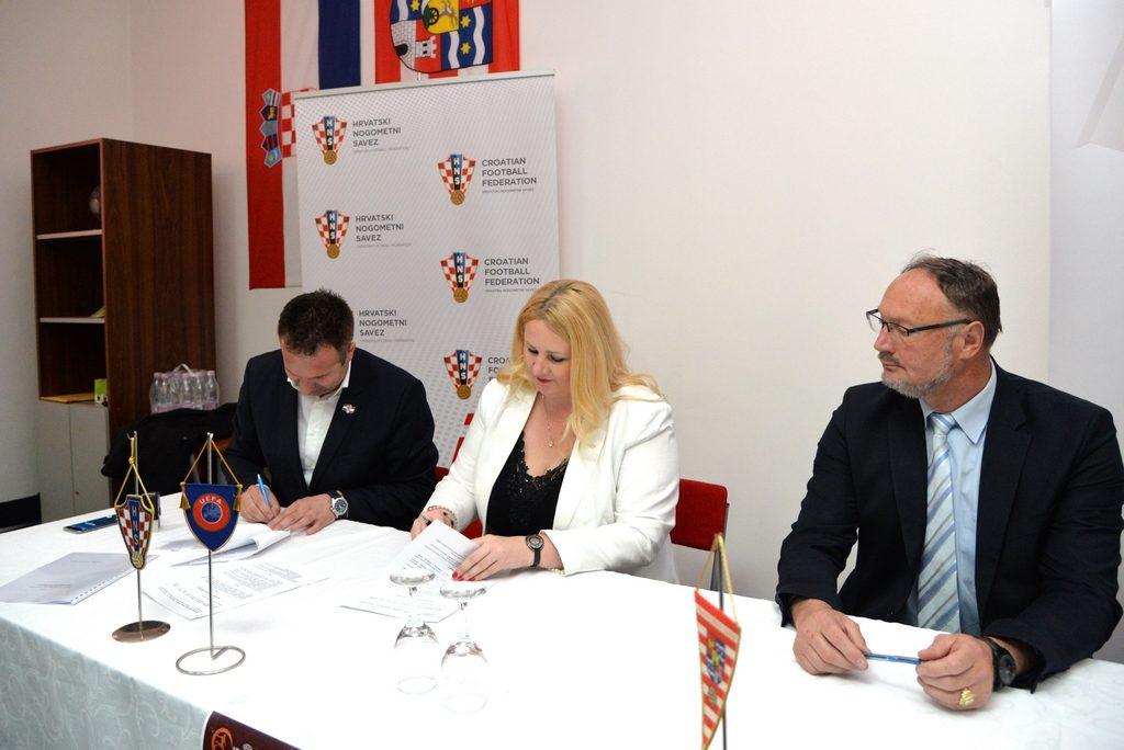 HNS_potpisivanje_ugovora (5)